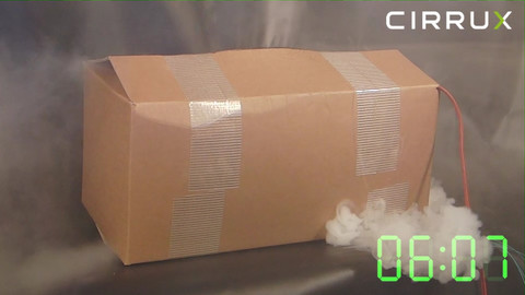 CIRRUX Polstermaterial für den Versand von Lithiumbatterien in Gefahrgutkartons. Brandtest Foto 06 – Gefahrgutbeauftragter.